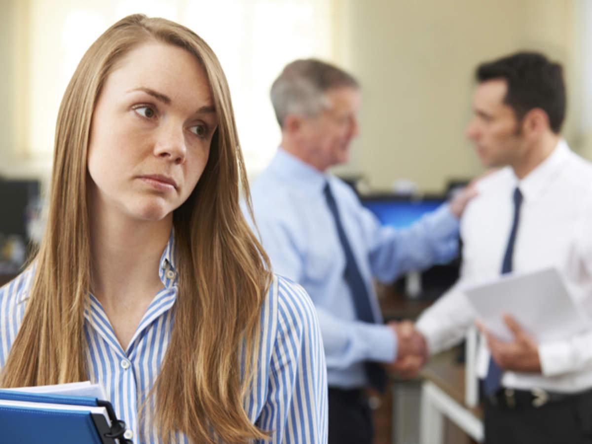 Amenzi pentru hartuirea la birou si discriminare. Modificare la Codul Muncii