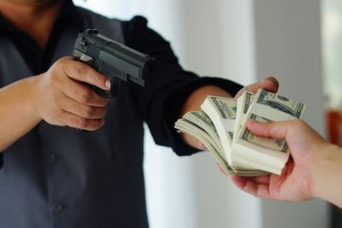 Reglementari si sanctiuni privind furtul si talharia